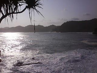 pantai-jonggreng-saloko-donomulyo-3