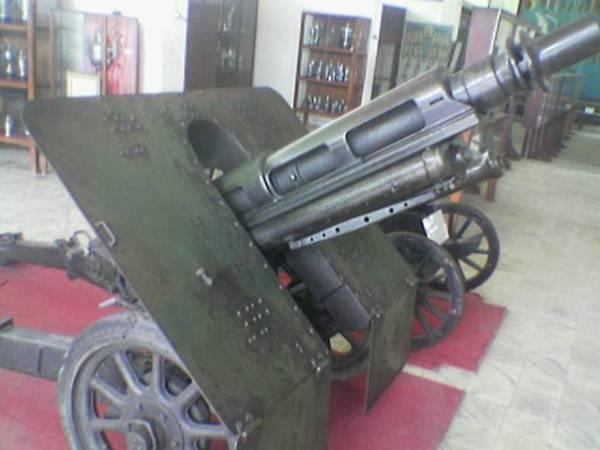 wisata malang - koleksi museum brawijaya meriam